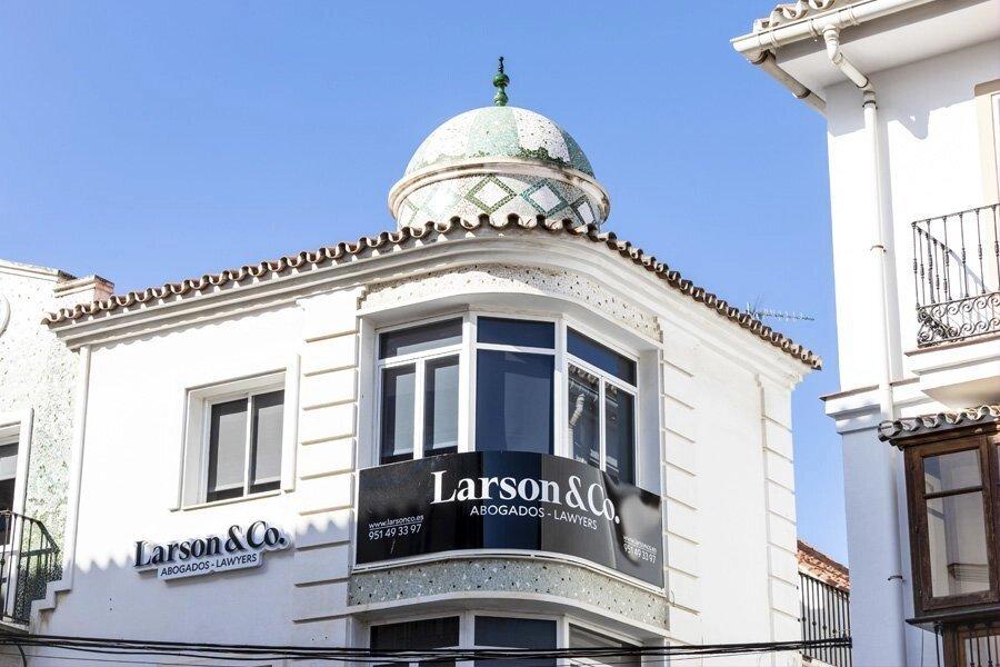 Larson & Co, despacho de abogados en Vélez-Málaga